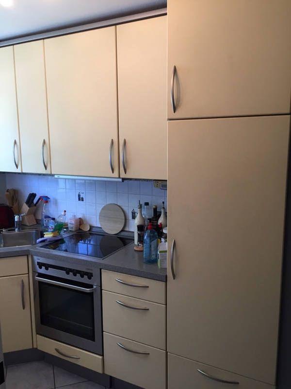 Komplettküche mit Geräten zum Selbstabbau