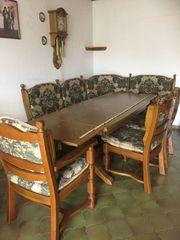 Esszimmertisch mit Eckbank und Stühle