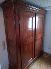 Antiker Holzschrank Kirschholz