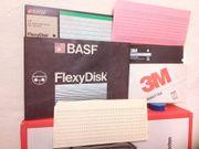 Datenträger-Set bestehend aus Disketten und