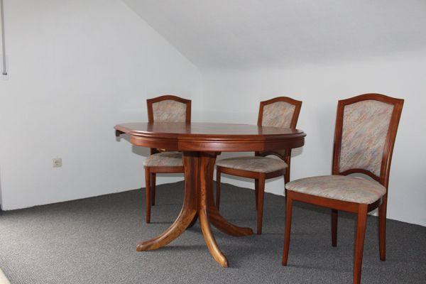 Tisch ausziehbar mit 3 Stühlen