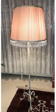 Stehlampe mit altrosa Schirm