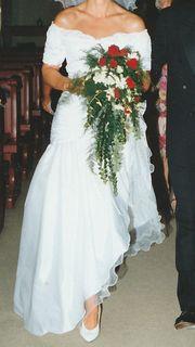Prinzess Brautkleid mit Spitze und