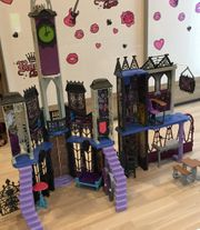 Monster High Schloss