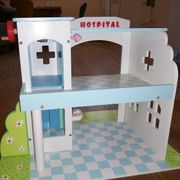 LE TOY VAN Hospital-Set 2010