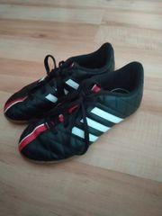 Sportschuhe von Adidas 29
