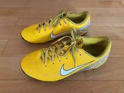 Kinder Fußballschuhe Nike Gr 33