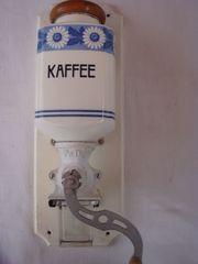 alte antike Wandkaffeemühle PeDe von