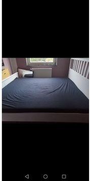 weißes Maxi-Doppelbett mit Lattenrost etc