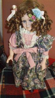 Porzellan Puppe Laura 9562B Euro-Exquisite-Creation