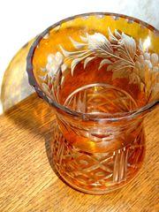 Kleine Bernsteindekor Vase mit Zackenrand