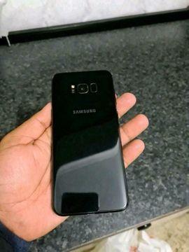 Samsung Galaxy S8 Black mit allen Zubehör Kopfhörer unbenutzt