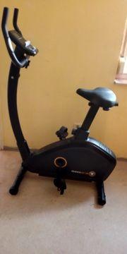Heimtrainer Fahrrad und Rudergerät