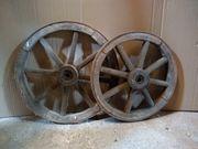 alte Wagenräder Holz Metall