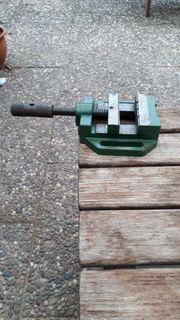 Kleiner Schraubstock Backenbreite 80 mm