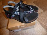 Neuwertige Damen-Sandalen von Think Gr