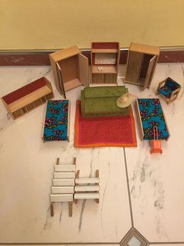 Puppenhaus 80x50x60 cm mit Einrichtung: Kleinanzeigen aus Starnberg - Rubrik Puppen