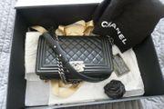 Chanel Boy Tasche schwarz mit