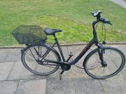 Schwarzes Damen Fahrrad