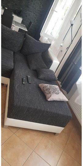 Zum Verkauf Sofa in gutem Zustand. Macht auch ein Bett