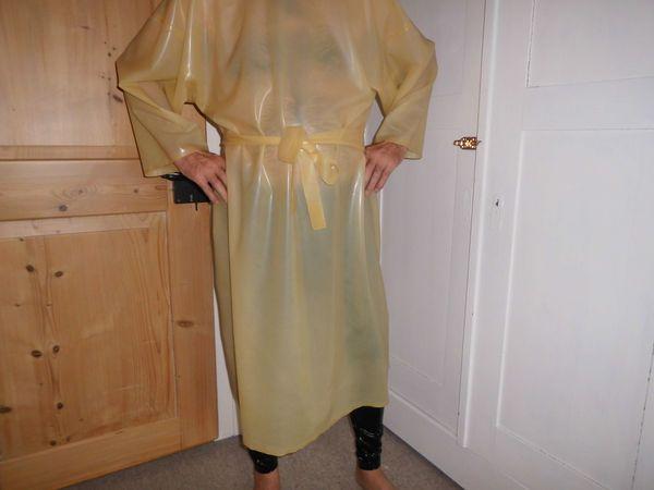 Fetisch Bekleidung in Leder Lack