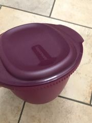 Tupperware Mircrowave Pasta Maker Round