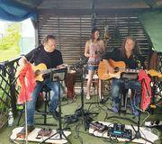 Akustik-Gitarren-Duo als ToRi-Band