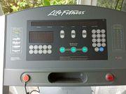 Life Fitness Laufband T9i Studioqualität