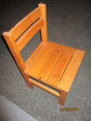sehr stabiler Holzstuhl Korbstuhl