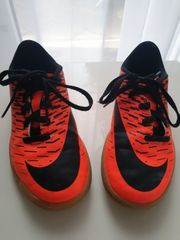 Nike Hallenschuhe Fußball Gr 32