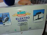 Neuer Elektrohobel mit Zubehör