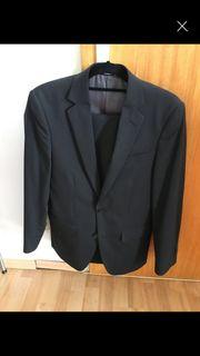 Anzug mit Sakko und Hose