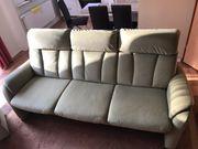 3 Sitzer Sofa mit Hocker