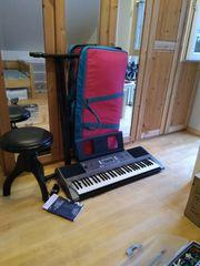 Keyboard Yamaha E353 mit Ständer