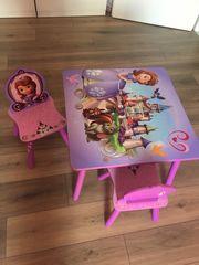 Kinder Tisch