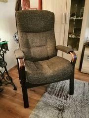 Sessel mit verstellbarer Rückenlehne TV