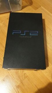 Playstation 2 mit 2 Controller