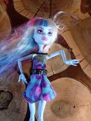 Mattel Monster Puppe