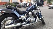 SUCHE Parkplatz Motorrad