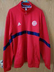 Neuwertige Adidas FC Bayern Jacke