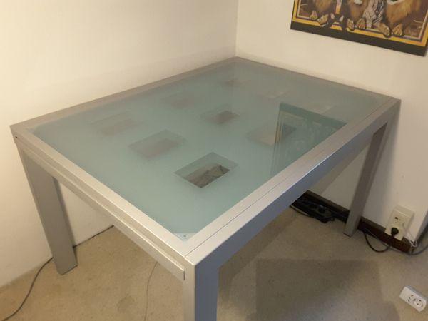 Tisch Metal mit Glasplatte