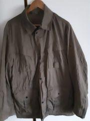 Jacke wasserabweisend