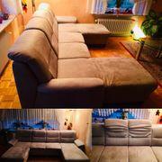 Sehr gut erhaltene Couch