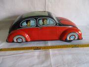 Alter großer VW Käfer aus