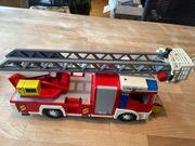 Feuerwehrauto mit Leiter