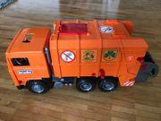Müllauto von Bruder