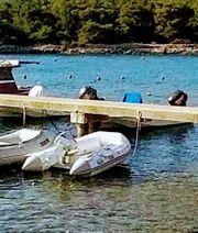 Schlauchboot mit Motor