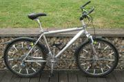 Mountainbike 26 Zoll Alurahmen mit TOP-Komponenten