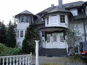 Villenartiges Mehrfamilienhaus mit Teichgrundstück