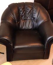 Kunstleder-Sessel zu verschenken